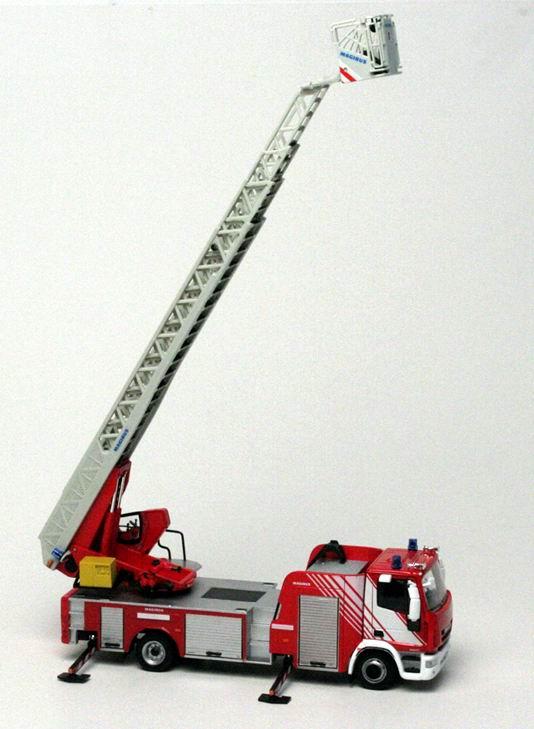 IVECO DLK 23-12 CS NEW EUROCARGO CAB 2008 Camion de Pompiers Grande Echelle MAGIRUS 1/43 ELIGOR