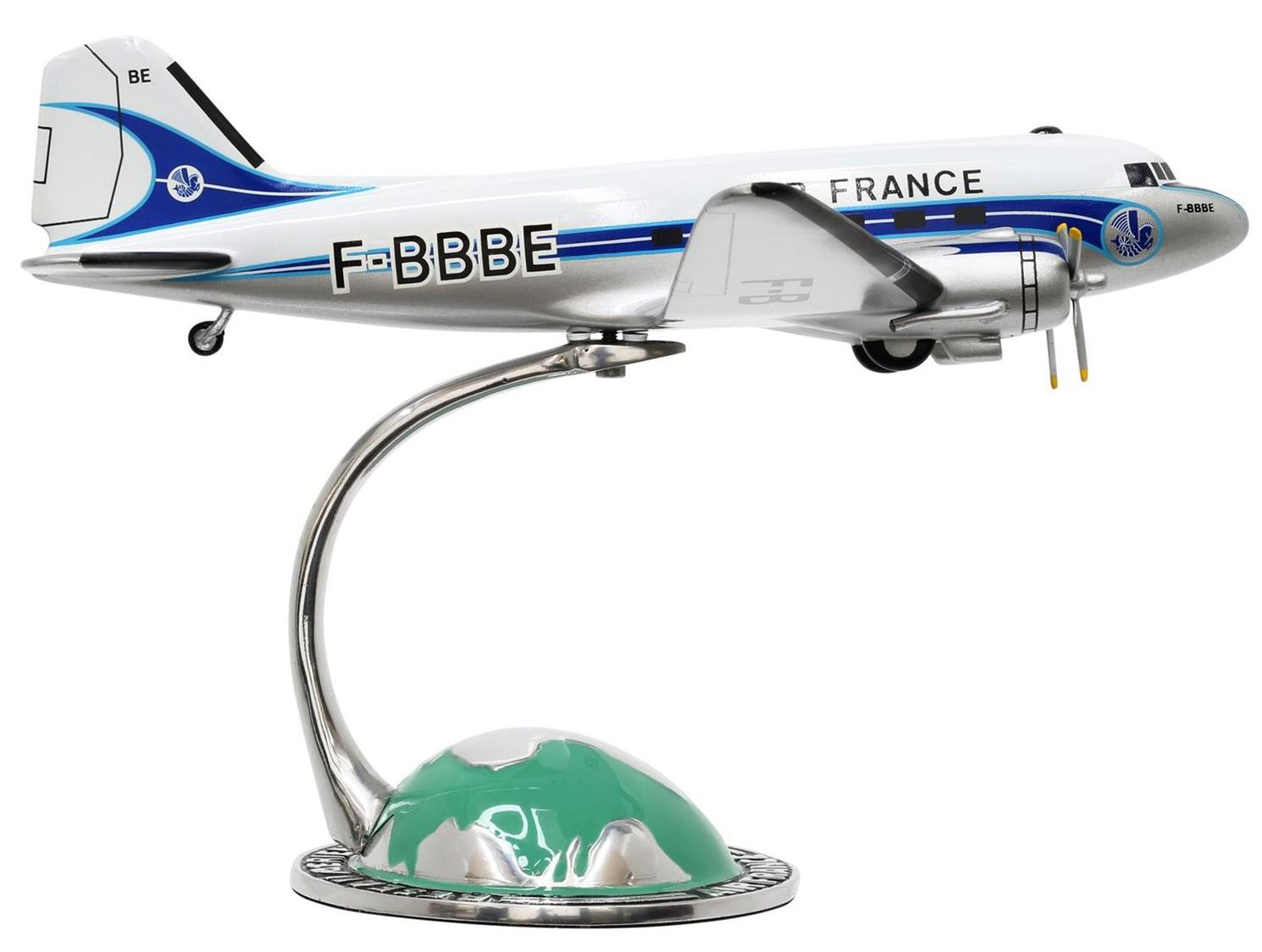 DOUGLAS DC-3 AIR FRANCE sur socle demi-globe Socatec