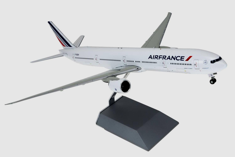 maquette air france boeing 777 300er au 1 200 en m tal en s rie limit e ebay. Black Bedroom Furniture Sets. Home Design Ideas