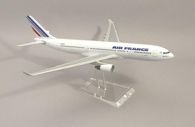 Maquette d'agence A330-200 Air France au 1/100