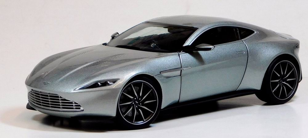 Véhicule ASTON MARTIN DB10 JAMES BOND Spectre 2015