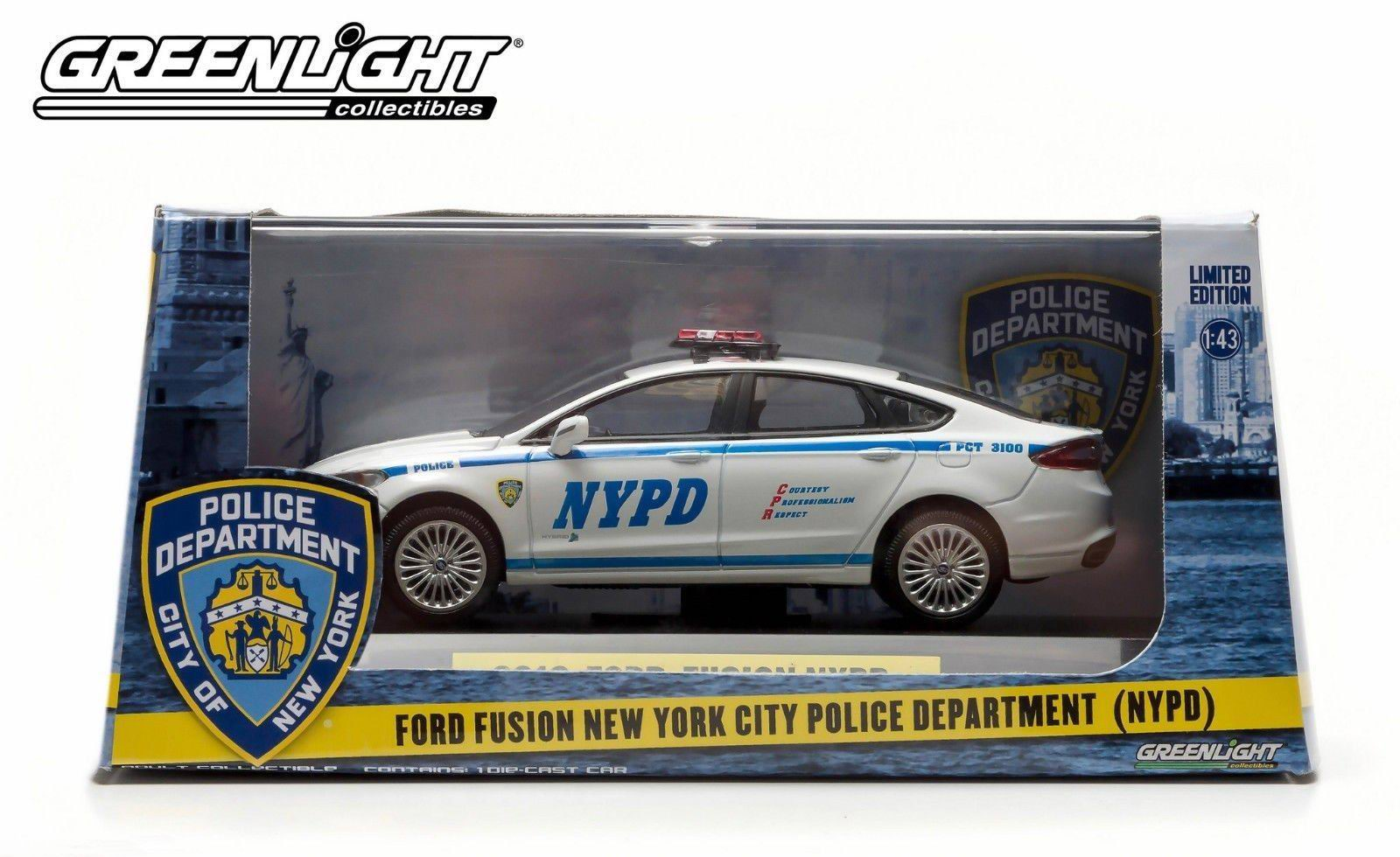 Véhicule FORD FUSION 2013 NYPD NEW YORK POLICE DEPARTMENT 1/43