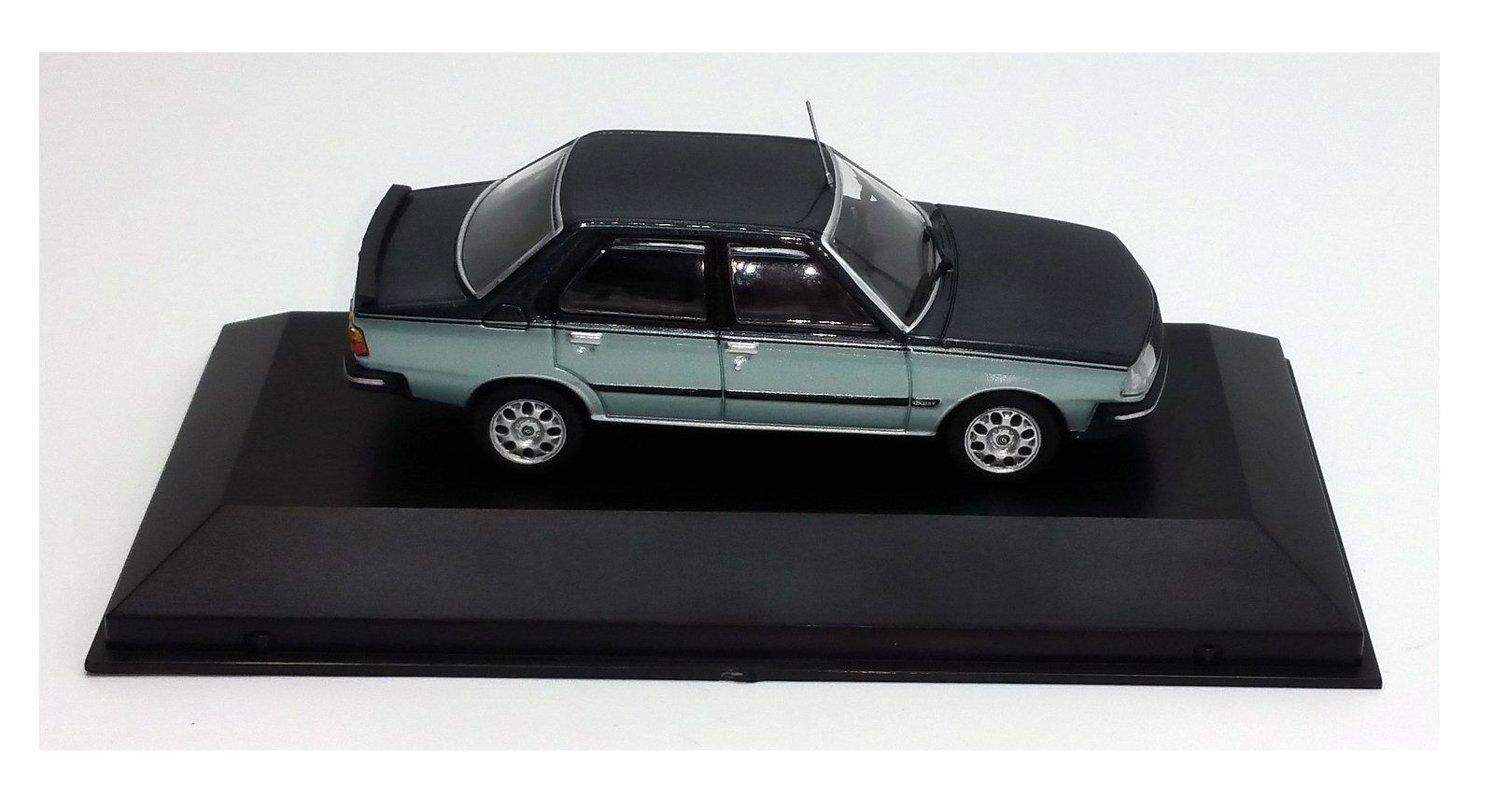 Model car Renault 18 american 2 of 1984 1/43
