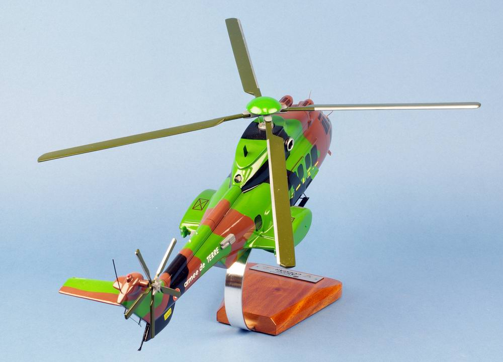 Maquette Helicoptere Cougar AS532