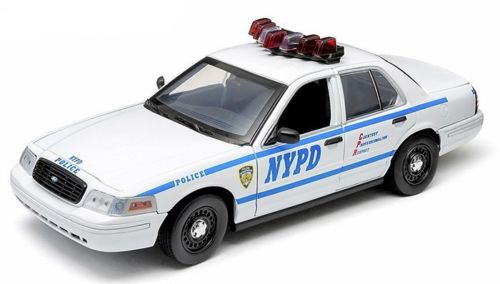 Voiture FORD CROWN VICTORIA INTERCEPTOR 2001 NYPD NEW YORK POLICE DEPARTMENT 1/18 Gyrophares et Sirene Electroniques
