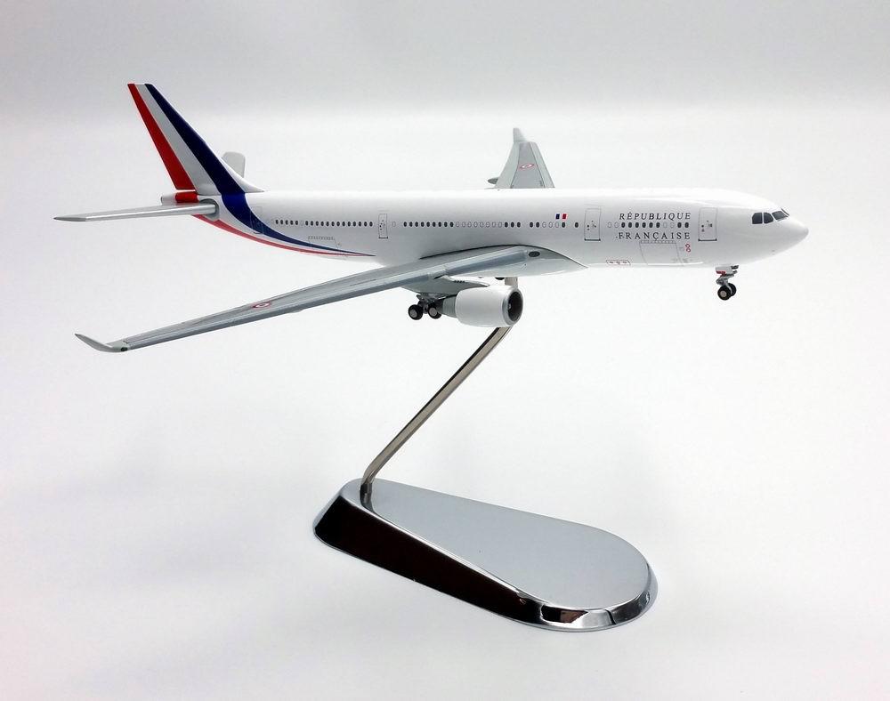 Maquette AIRBUS A330-200 Présidentielle République Française FRANCE  1/400