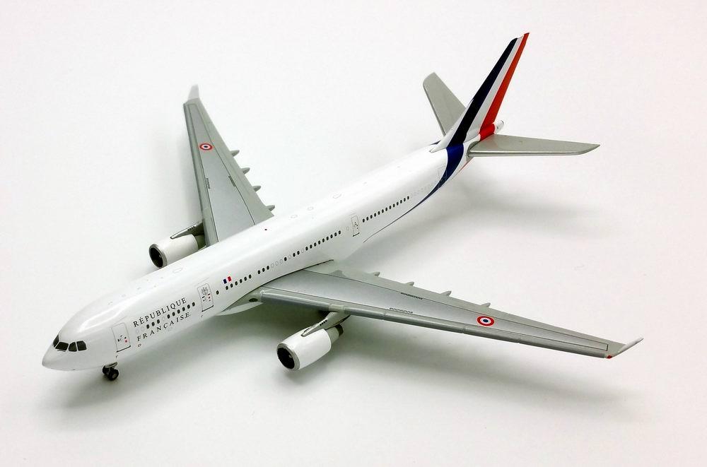 maquette AIRBUS A330-200 Sarkosy Présidentielle République Française FRANCE  1/400