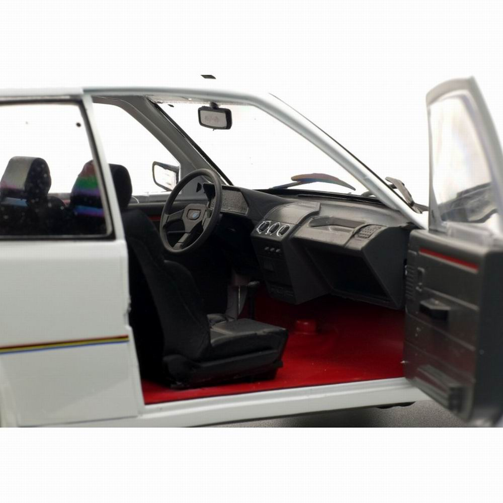 Voiture Miniature PEUGEOT 205 Rally de 1987 Solido 1/18