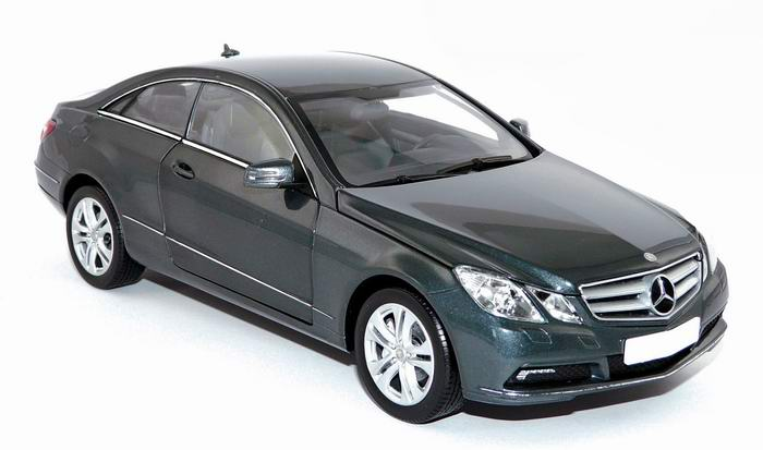 MERCEDES-Benz E500 Coupé 2009 1/18 NOREV