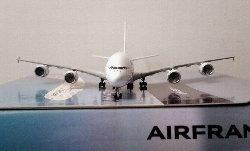Maquette Avion AIRBUS A380-800 AIR FRANCE 1/400
