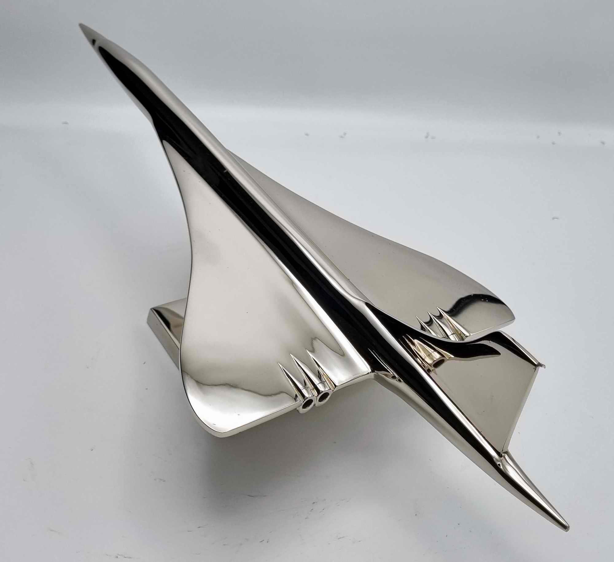 Maquette Concorde chromée 1/150