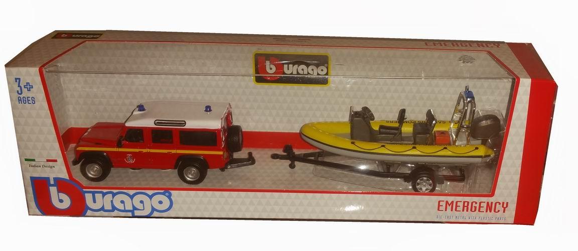 Voiture miniature en métal Land Rover Defender pompier Zodiac sur remorque 1/43