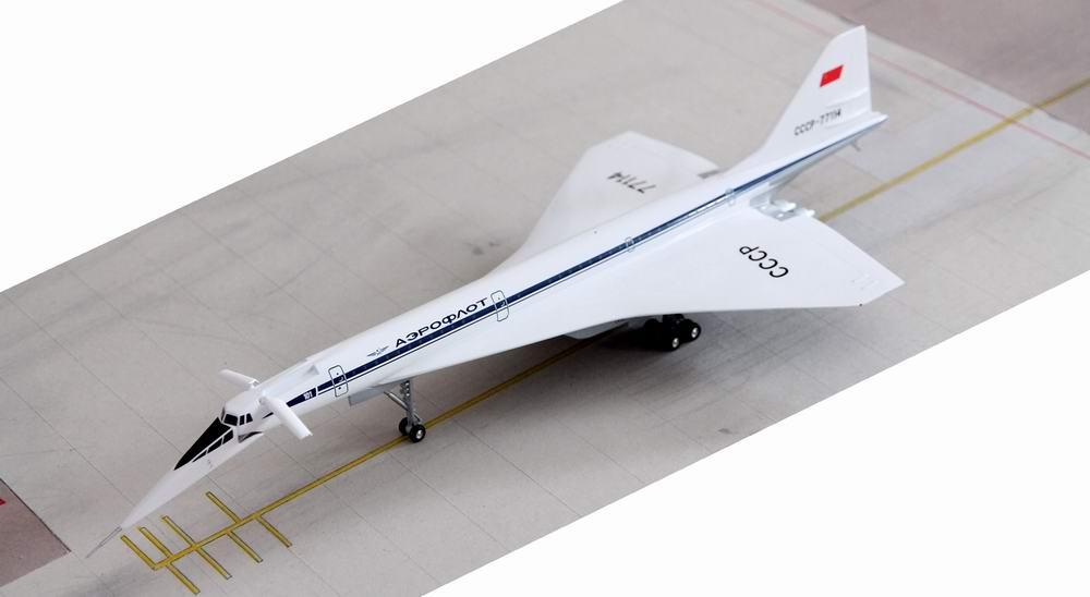 Maquette Tupolev TU144D CCCP-77114 Herpa 1/200