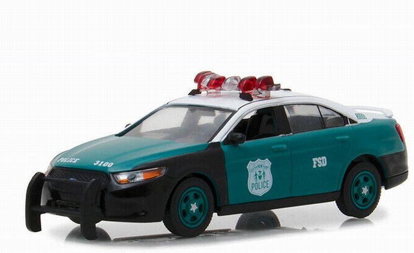 Voiture en métal FORD POLICE INTERCEPTOR SEDAN NYPD Newyork police 1/43