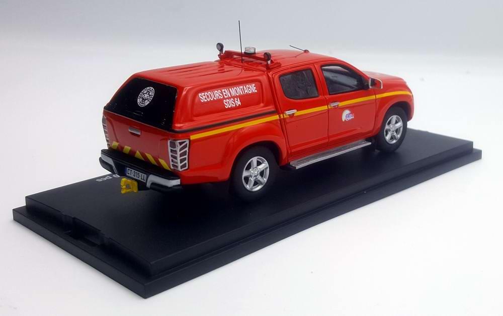 Miniature ISUZU D-MAX Sapeurs Pompiers SECOURS EN MONTAGNE SDIS 64 Pyrenees-Atlantiques 1/43 Alarme