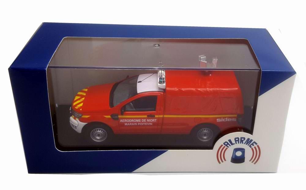 Miniature Ford Ranger 2 PORTES POMPIER VIP SDIS AERODROME DE NIORT Sapeurs Pompiers SDIS 79 DEUX-SEVRES 1/43 Alarme