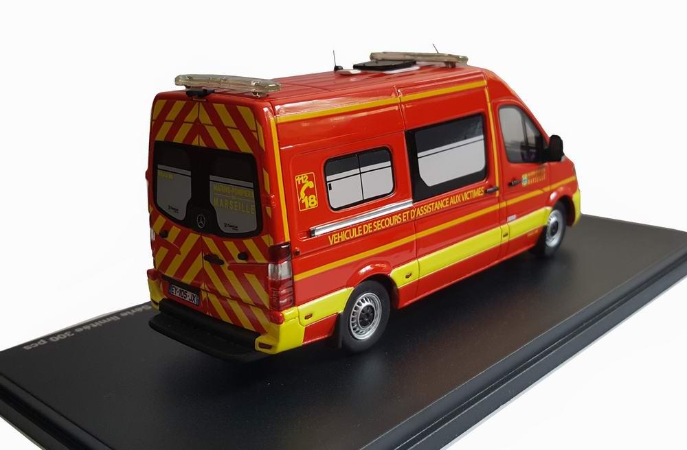 Miniature MERCEDES Sprinter SANICAR BMPM Marseille VSAV Camion de marins Pompiers 1/43 Alerte