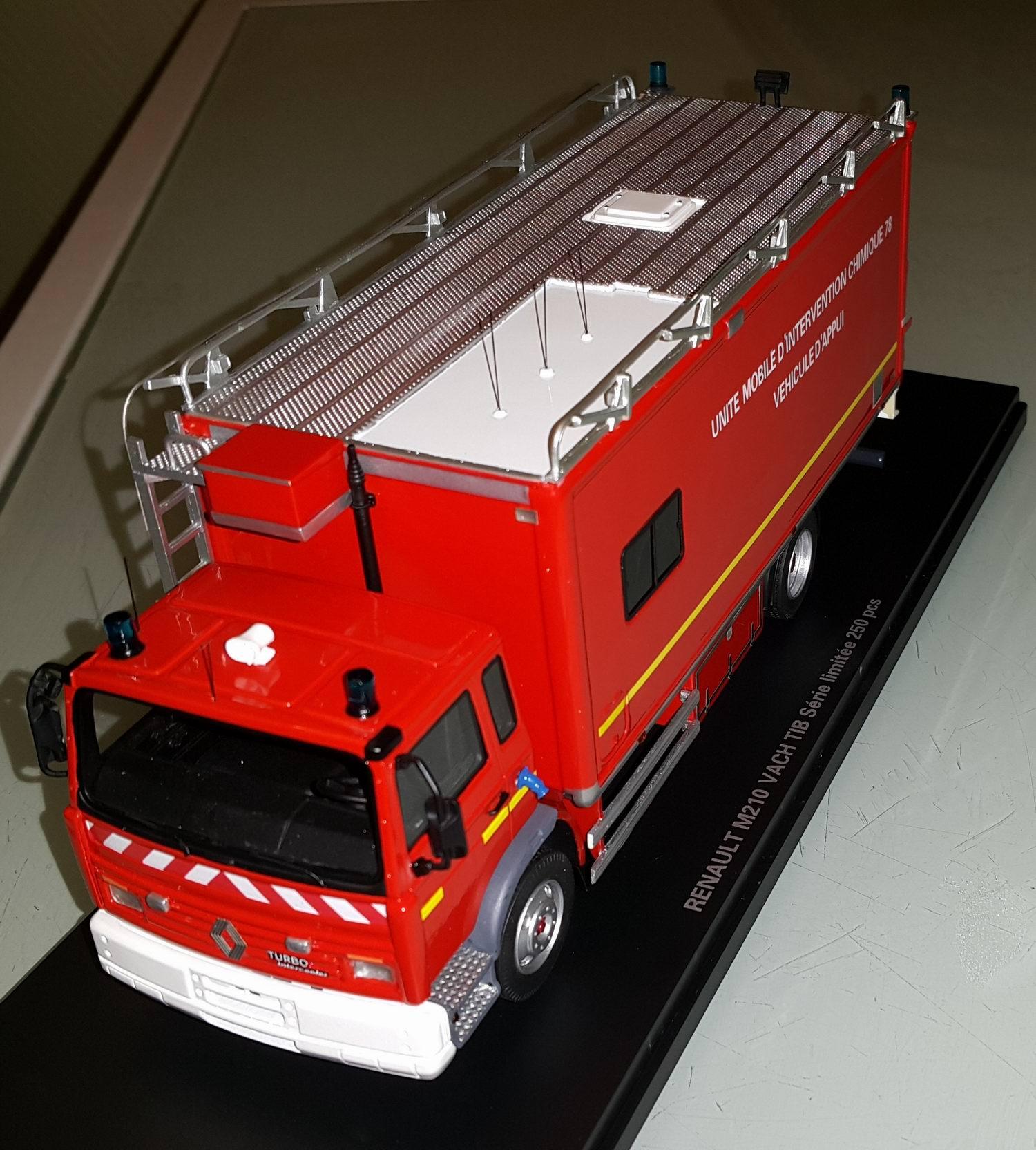 Miniature RENAULT Midlum M210 UNITE MOBILE INTERVENTION UMI CHIMIQUE 78 Camion de Sapeurs Pompiers 1/43 Alerte0047