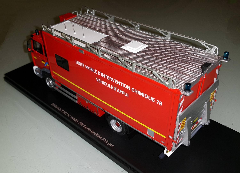 RENAULT Midlum M210 UMI CHIMIQUE 78 Camion de Sapeurs Pompiers 1/43 Alerte0047