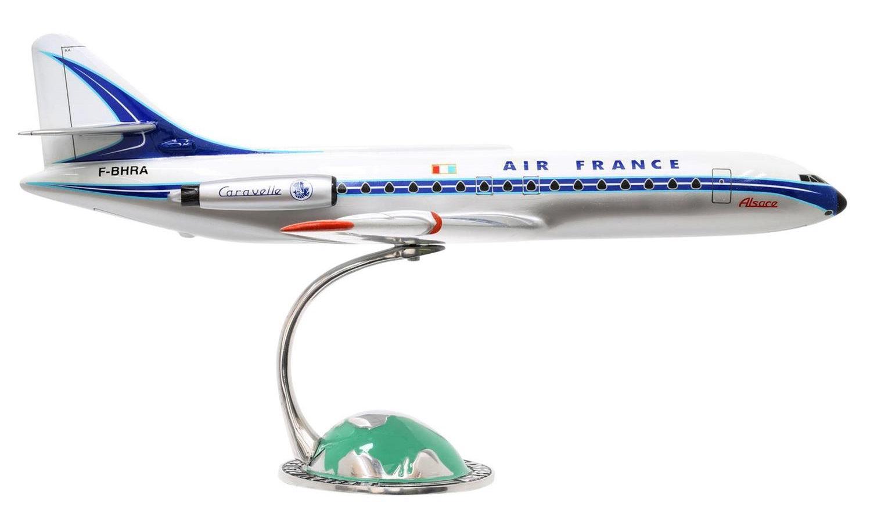 CARAVELLE III AIR FRANCE sur socle demi-globe Socatec