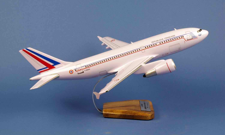 Maquette Avion AIRBUS A310 REPUBLIQUE FRANCAISE ET03.060 Esterel 1/100