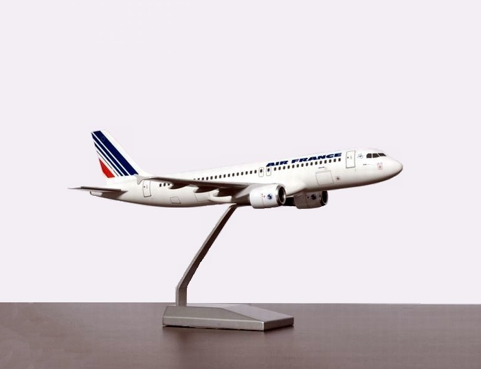 Maquette d'agence A320-200 Air France au 1/100