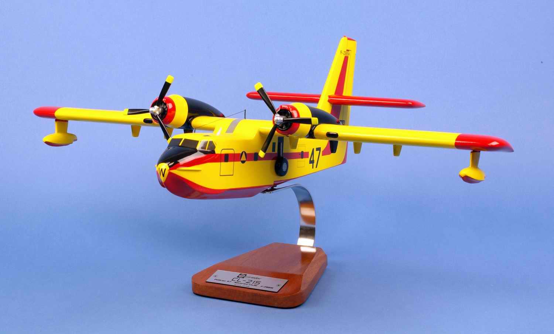 Maquette Avion CANADAIR CL215 Pélican N°47 SECURITE CIVILE 1/55