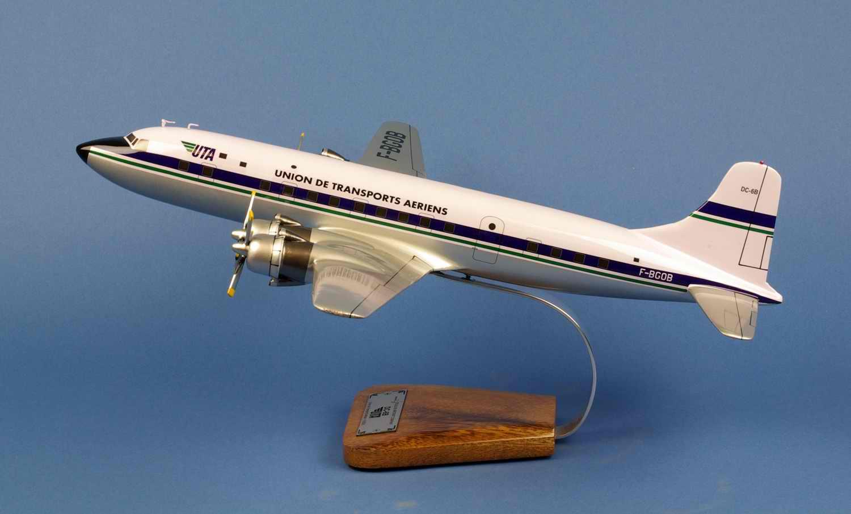 Maquette Avion DOUGLAS DC6B Super Cloudmaster UTA Union Transports Aeriens