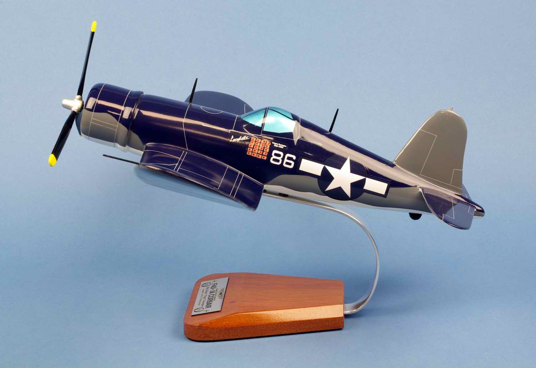 Maquette Avion F4U-1A CORSAIR VMF-214 BlackSheep Gregory Pappy Boyington