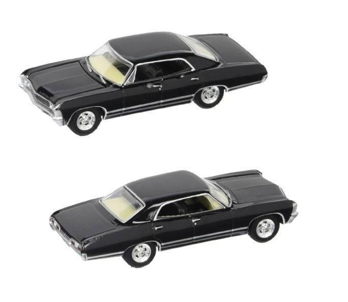 Voiture CHEVROLET Impala SUPERNATURAL 1/64 Avec Figurines Sam et Dean