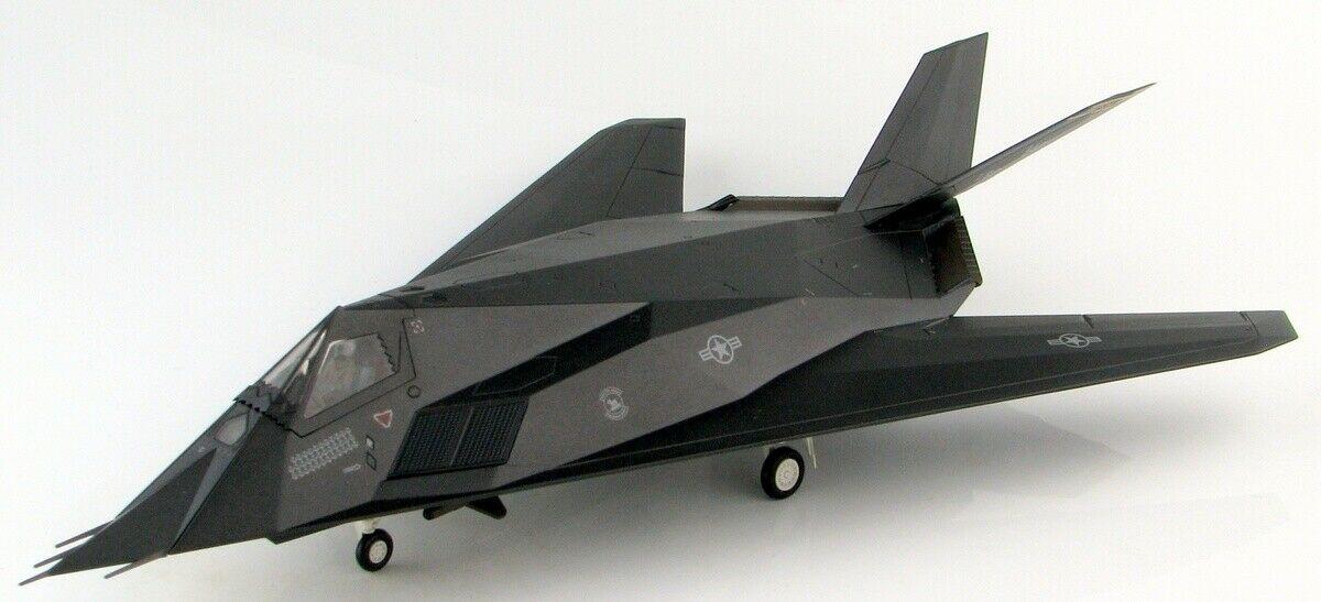 Maquette avion F117 Nighthawk Black Sheep Guerre Kosovo 1/72