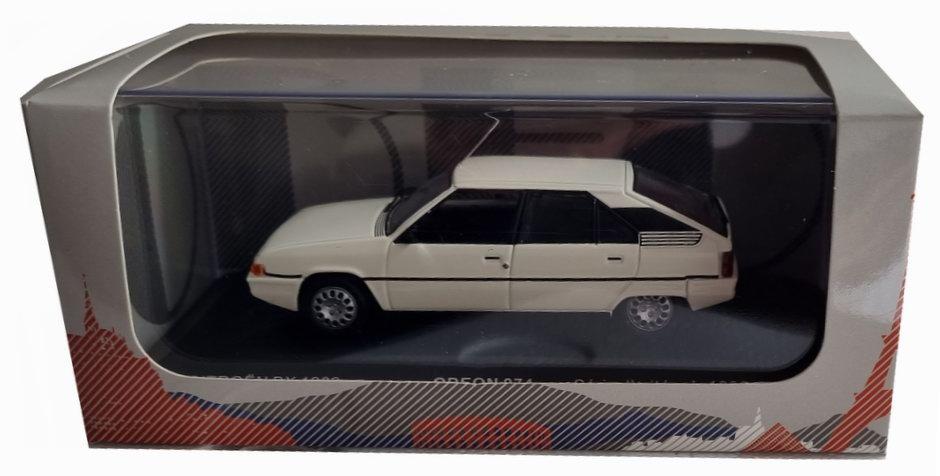 Petite voiture CITROEN BX 1/43