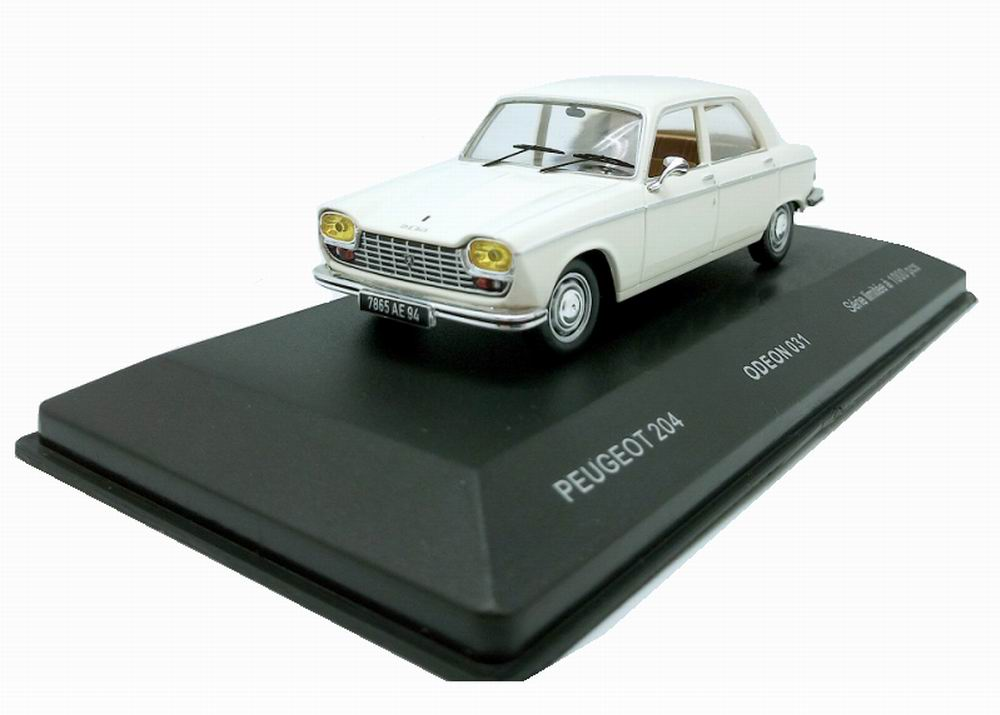 Voiture Miniature Peugeot 204 1/43