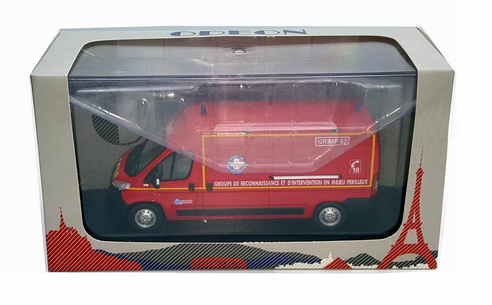 Miniature PEUGEOT Boxer Sapeurs Pompiers GRIMP SDIS 62 1/43