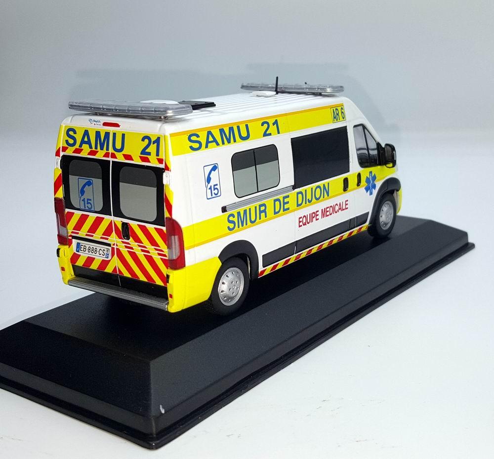 Miniature Ambulance FIAT Ducato SAMU 21 SMUR De Dijon 1/43