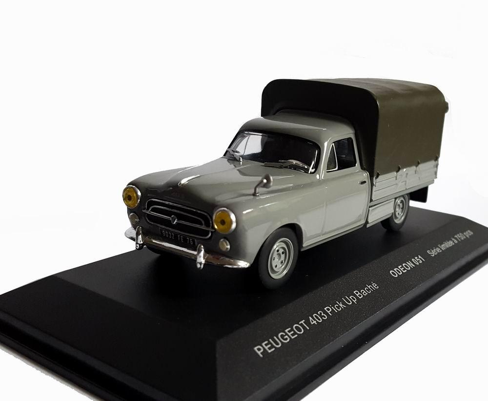 Voiture Miniature Peugeot 403 pikup baché 1/43