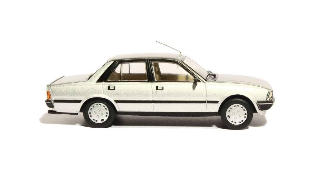 Miniature Peugeot505 1/43