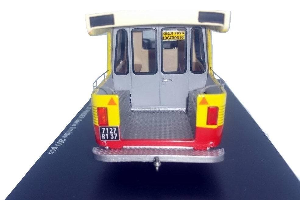 Miniature Camionnette PEUGEOT J7 CIRQUE PINDER 1/43