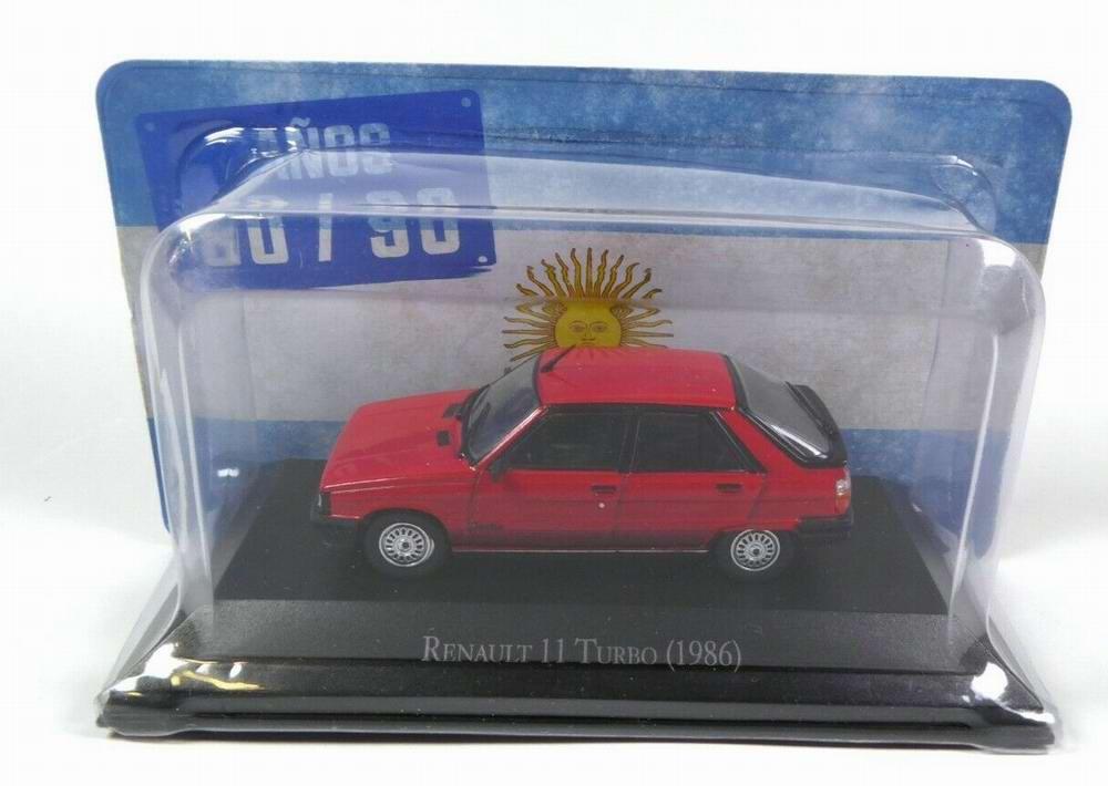 Petite voiture Renault11 1/43