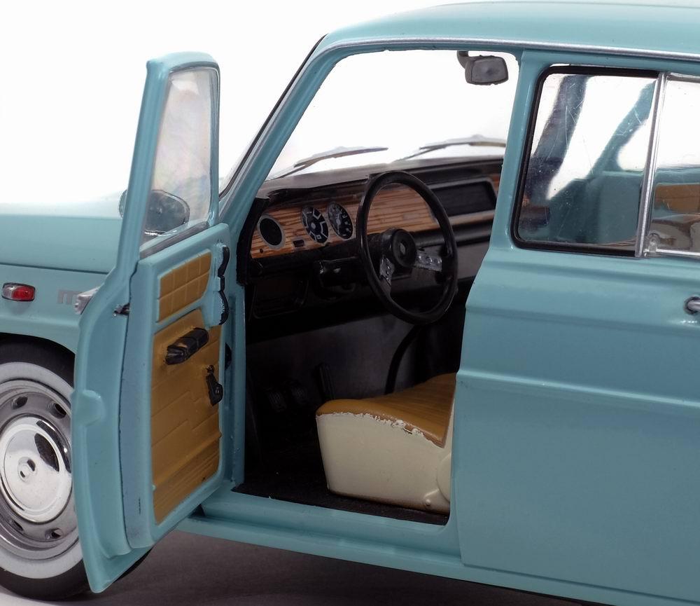 Voiture Miniature Renault8 Major R8 Soldo 1/18