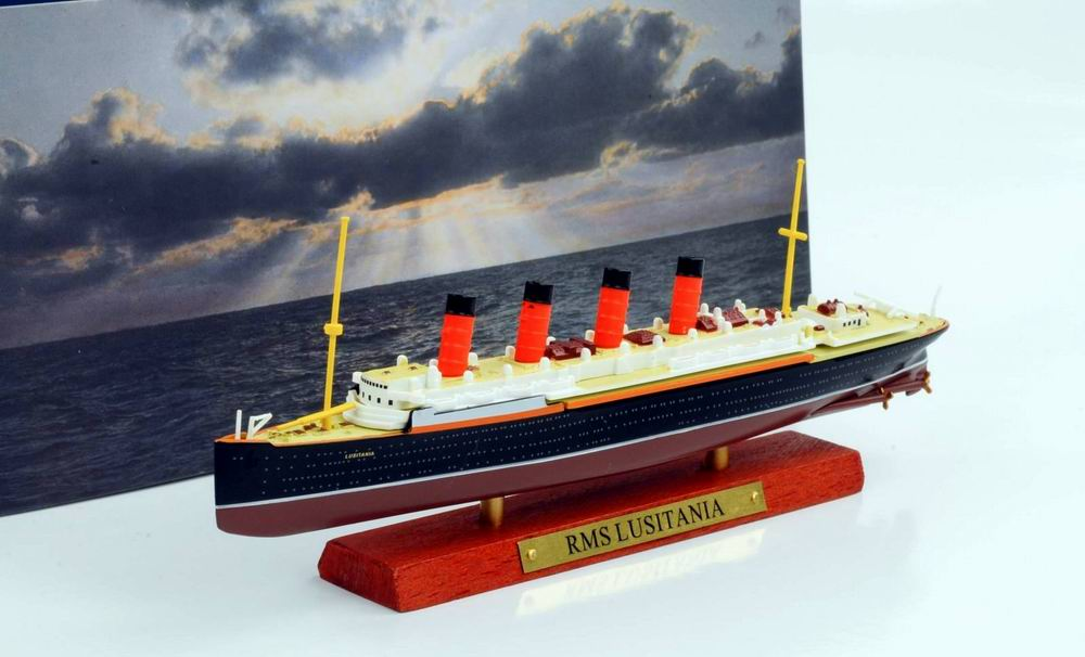 Maquette bateau Transatlantique RMS LUSITANIA 1/1250
