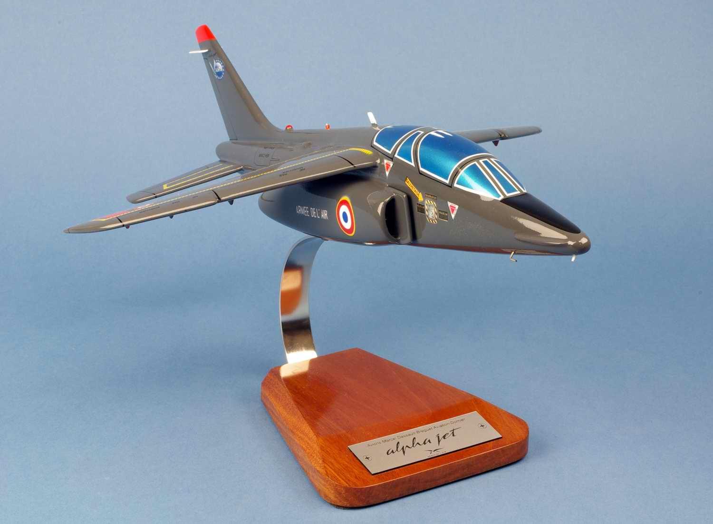 Maquette Avion ALPHA JET E Armée de l'Air Ajets aux couleurs de l'Escadron II/8 Nice de Cazaux 1/32