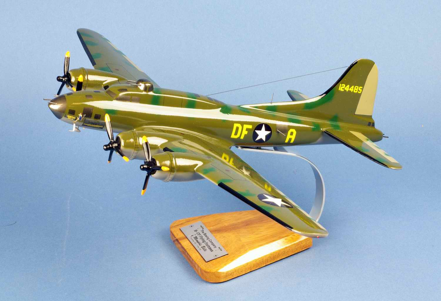 Maquette Avion BOEING B-17F Flying Fortress Memphis Belle