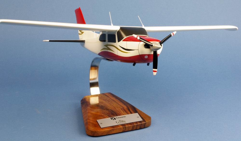 Maquette avion CESSNAcenturion 210 1/24