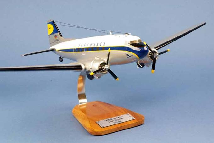 Maquette DouglasDC-3 Lufthansa 1/48