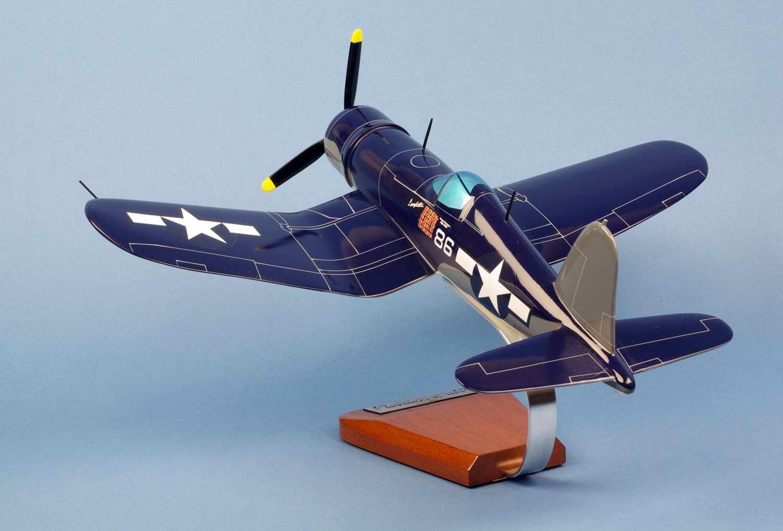 Maquette Avion de chasse F4U1A CORSAIR VMF-214 BlackSheep Gregory Pappy Boyington seconde guerre mondiale