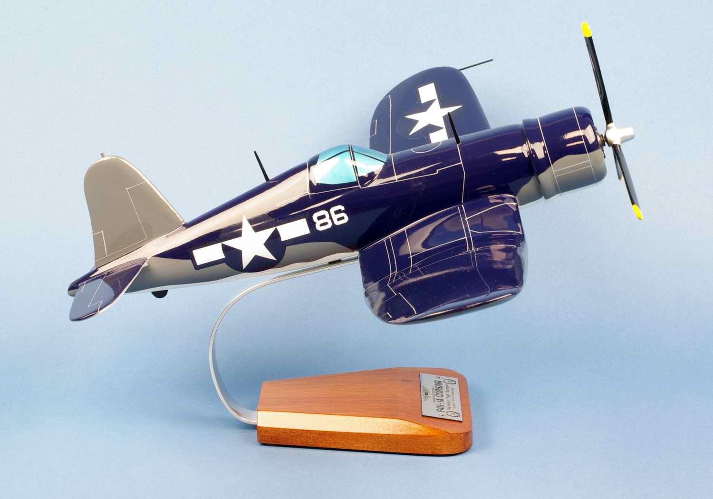 Maquette Avion WWII F4U1A CORSAIR VMF-214 BlackSheep Gregory Pappy Boyington