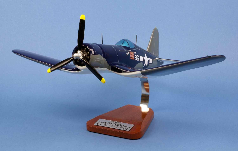 Maquette Avion F4U1A CORSAIR VMF-214 BlackSheep Gregory Pappy Boyington