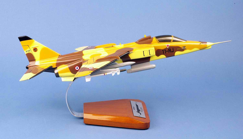 Maquette Avion Jaguar A EC3/11 Corse