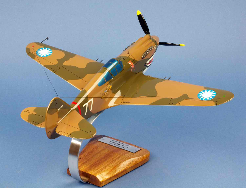 Maquette Avion De Chasse P40C Warhawk 3rd Pursuit Squadron Hell's Angels Tigres Volants 1/28